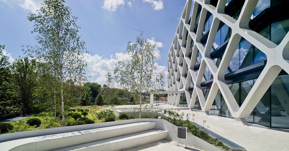 Arquitectura Sostenible Arquitectas. Entrevista Marta Mahmud: edificio Oxxeo